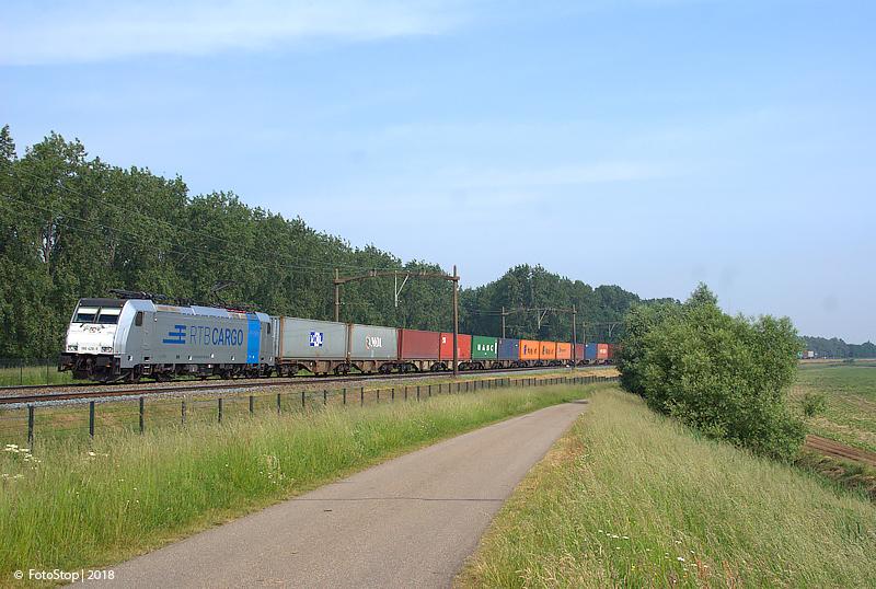 RTBCargo 186 428-9 container trein Willemsdorp 26.05.2018
