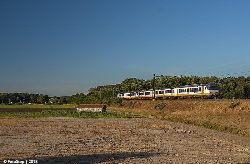 SGMm - 2946 - 2144 - trein 6379 - Hillegom 05.08.2018